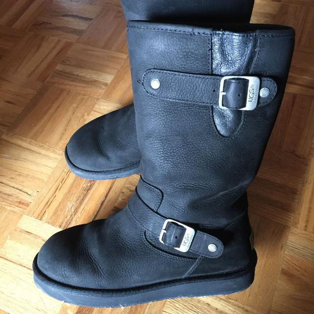 0a9bed58e0f Ugg Sutter Boot black size 7 EUC