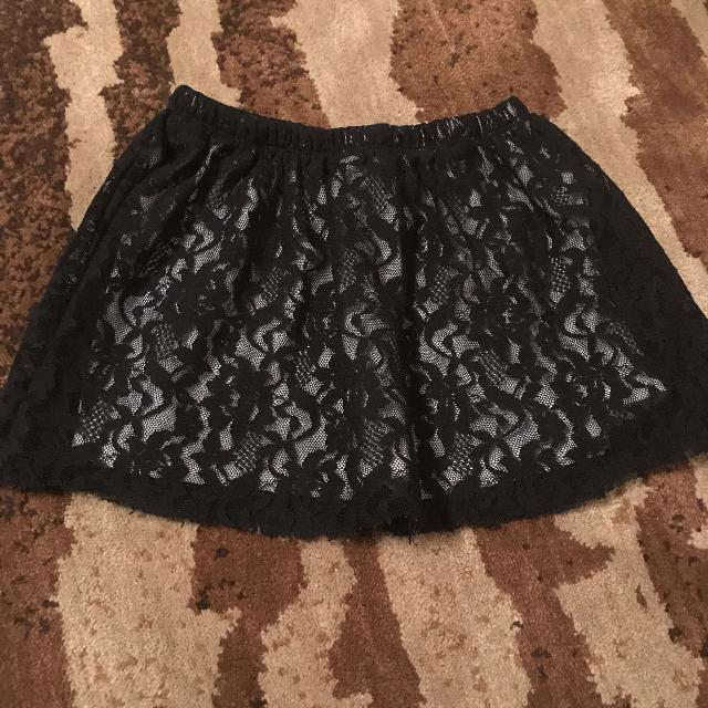 Skirt with lace overlay  Like new  Perfect for Halloween/Christmas! $3  smoke free home