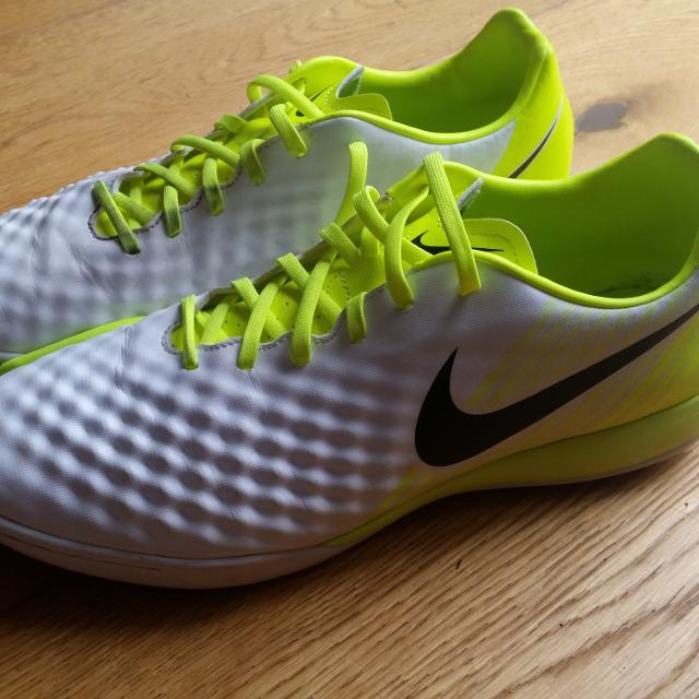 e759b890f Best Men's Nike Macista X Indoor Football Trainers for sale in Basingstoke  for 2019