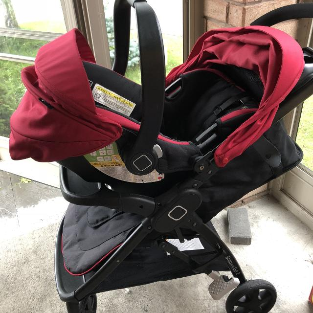 Safety 1st Car Seat And Stroller Set