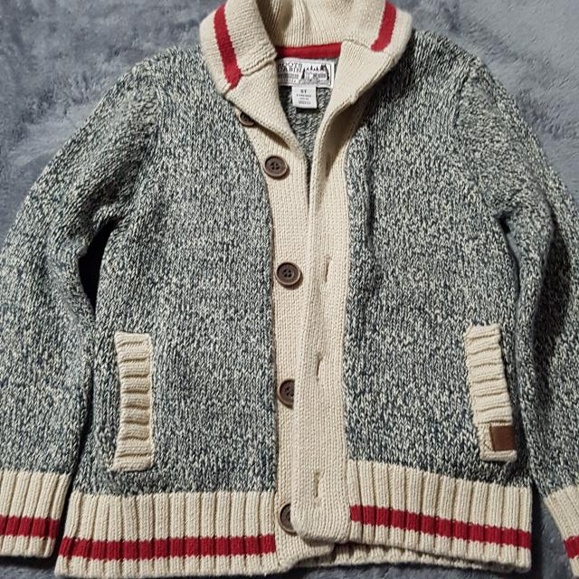 eaa5ca8a5 Find more Girls Roots Cabin Sweater for sale at up to 90% off