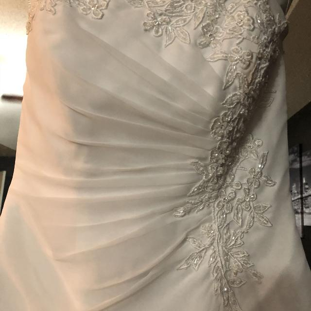 Best Davids Bridal Wedding Dress Size 10 For Sale In Pensacola