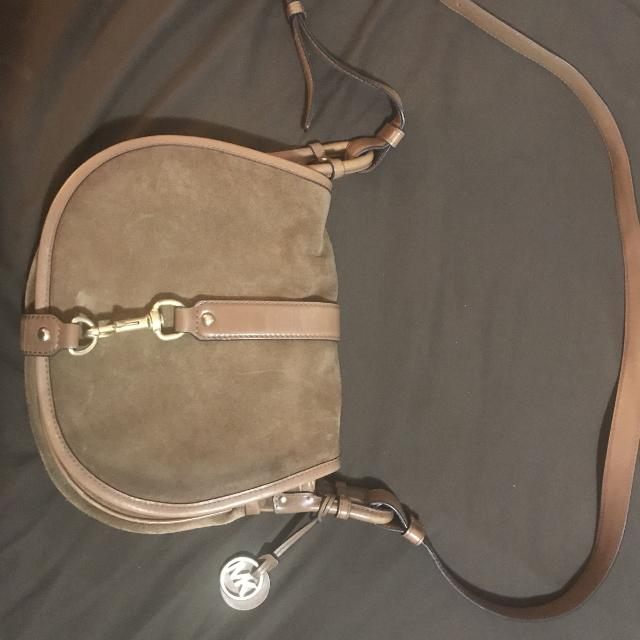 cfc47531cd6b6d Find more Michael Kors Jamie Large Suede Crossbody for sale at up to ...