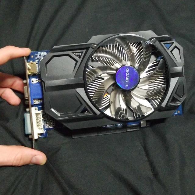 AMD Radeon R7 250 GPU (Gigabyte)