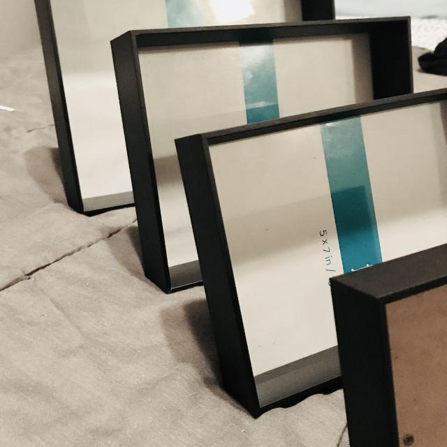 Best Price Drop Set Of 4 Photo Frames For Sale In Oshawa Ontario