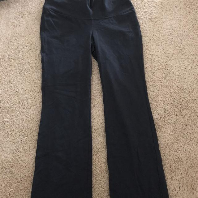 3cd1c2ad8e12e Best Vguc Old Navy Maternity Yoga Pants for sale in Richmond, Virginia for  2019