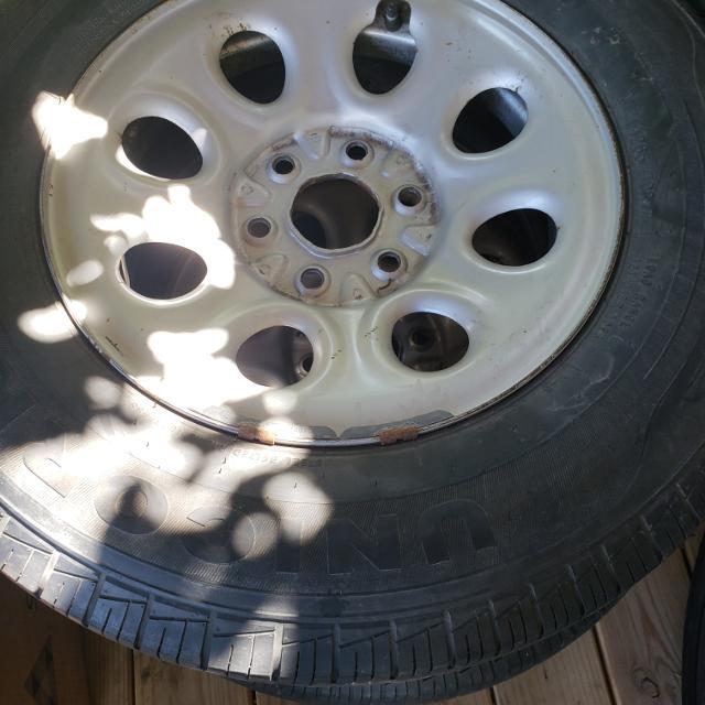 2009 chevy silverado tires