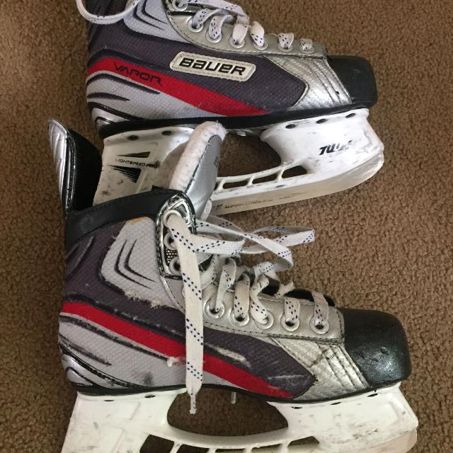 Used Hockey Skates >> Best Hockey Skates Used Size 2d For Sale In Oshawa Ontario For 2019