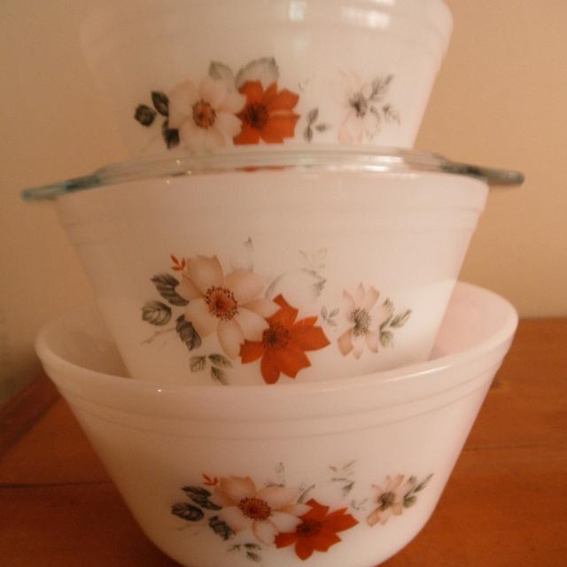 Best 3-vintage Pyrex Mixing Bowls for sale in Cochrane, Alberta for 2018