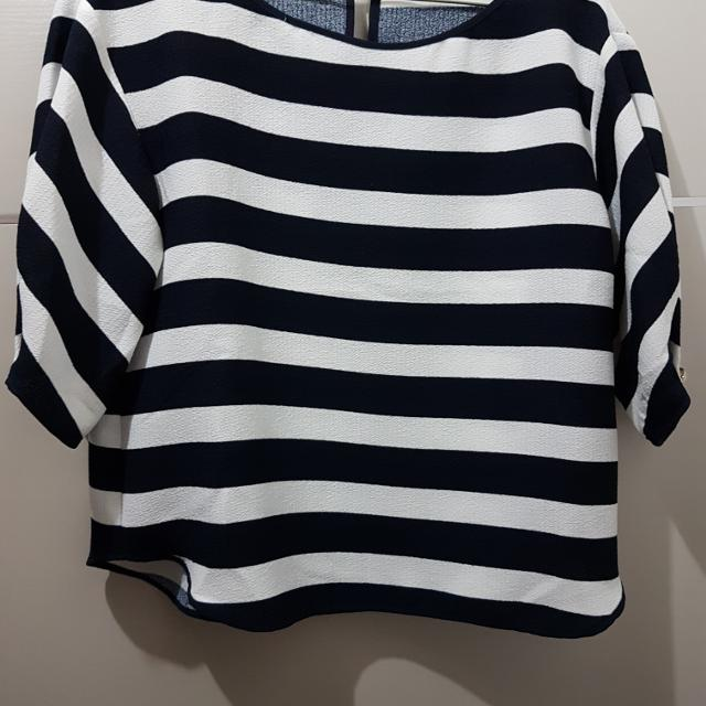 97ba3bb4 Best Zara Loose Striped Shirt Size S for sale in Hanover, Manitoba for 2019