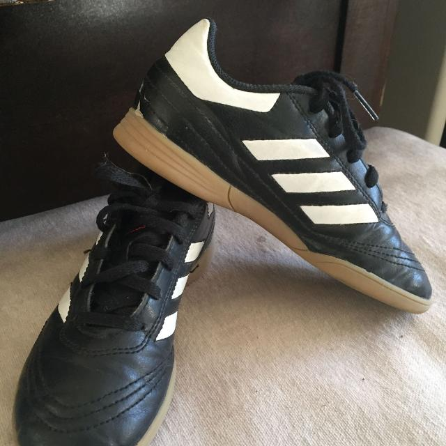 619494e3f07 Find more Indoor Soccer Shoes Sz 1 for sale at up to 90% off