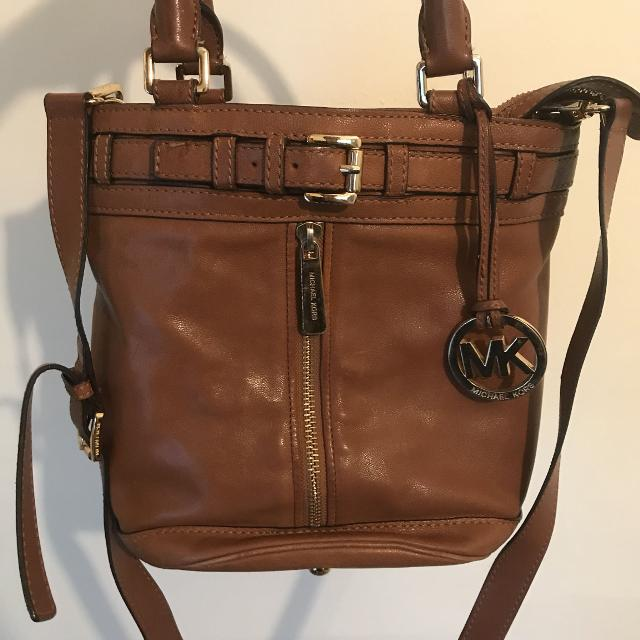 4378e8e49b75 Best Vintage Michael Kors Brown/gold Leather Bucket Bag for sale in  Richmond, British Columbia for 2019