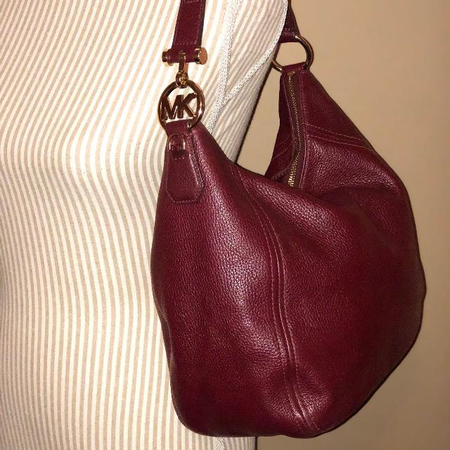 Find more Authentic Michael Kors Handbag for sale at up to 90% off ... c1309dc9b07fa