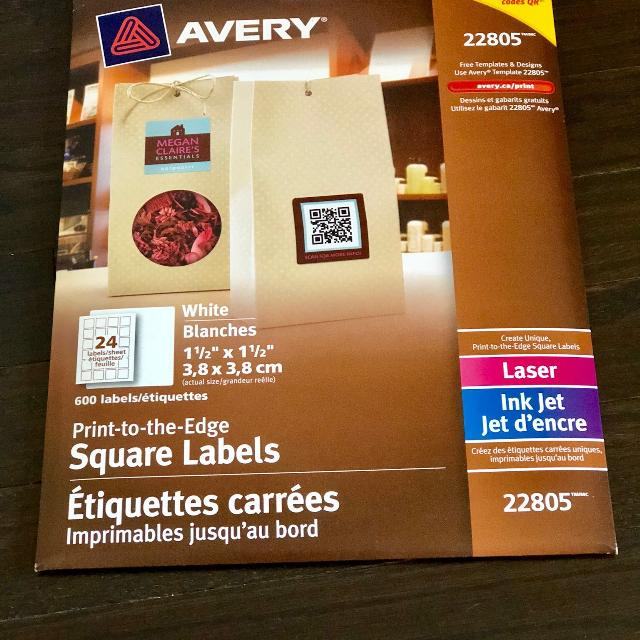 brand new avery square labels 22805