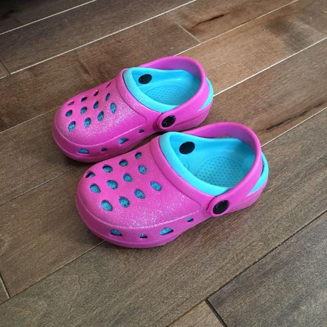 7564c3b8b6b849 Find more Crocs Style Sandals From Walmart Size 7 for sale at up to ...