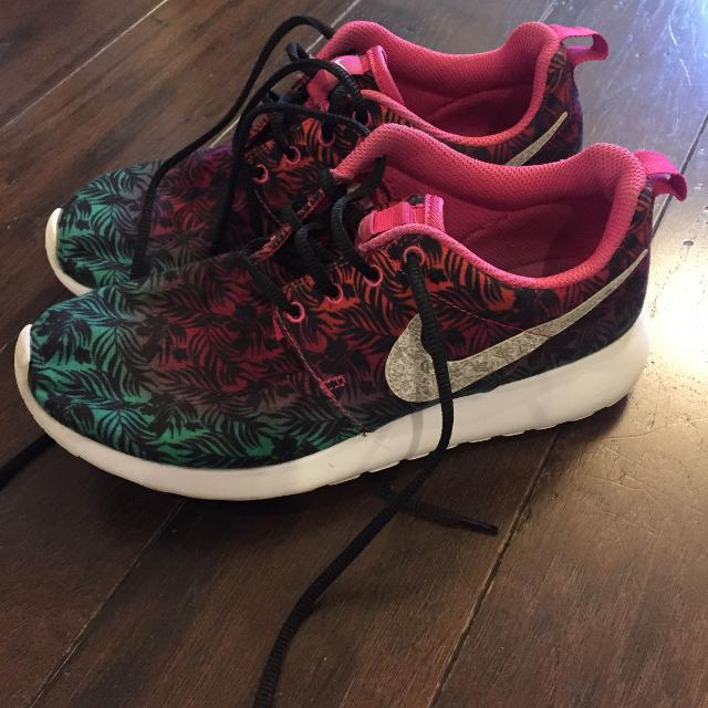 0841a7485743 Find more Super Cute Nike Shoes 6y Fits Women 7-7.5 —ppu In Pace ...
