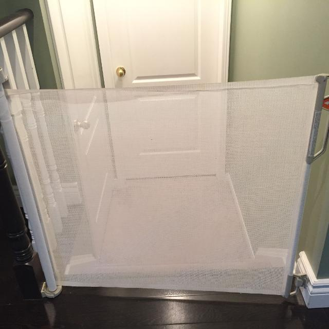 2 Bily Retractable Safety Gate White