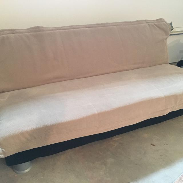 2 Futons Er Can Meet Near Calgary Ab