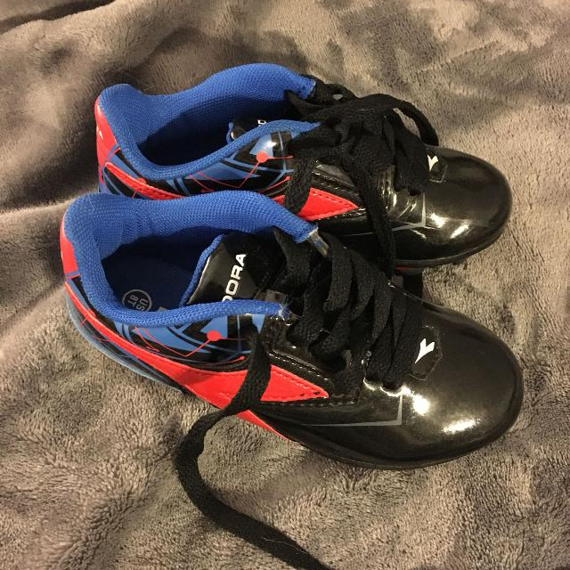 Best Diadora Toddler Soccer Cleats Size 8 for sale in Clarington ... 23d8d63a33b4