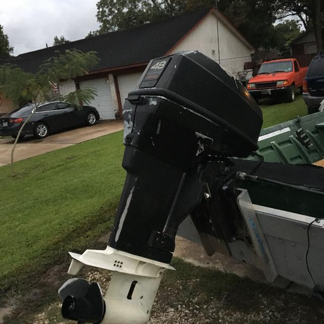 48 hp Johnson outboard ( no title) runs but needs lowers unit seal  replacement  Will consider trade for 15-25 hp Jon boat motor