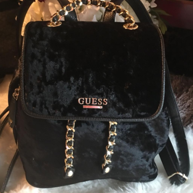 price reduced pick up greatvarieties Guess back pack