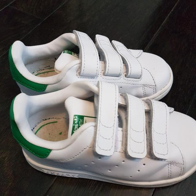 low priced 94556 23a55 Adidas Toddler Stan Smith- size 8