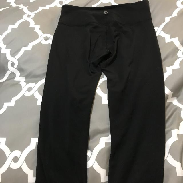 184aa5a3c2 Find more Lululemon Wunder Under Crop Reversible Size 6 for sale at ...