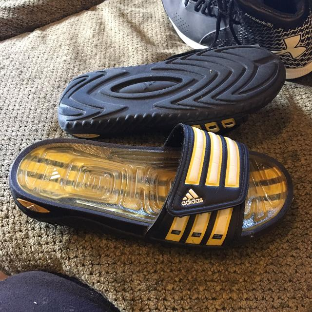 Find more Adidas Sandals Size 6 for sale at up to 90% off - Erie 92eb61dea
