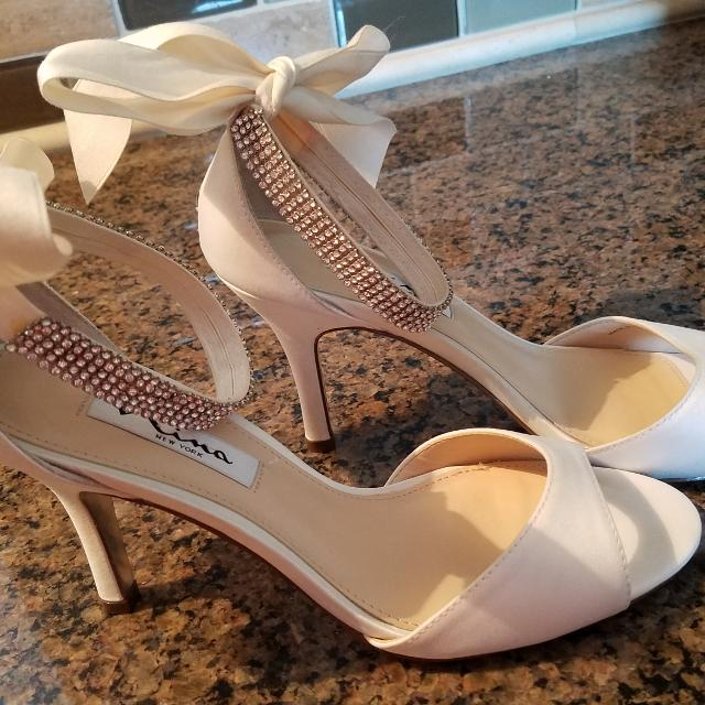 Best Reduced !!!! Brand New Condition!!! Nina Vinnie Ivory Ankle Strap Evening  Sandals  Wedding Shoes for sale in Gardner