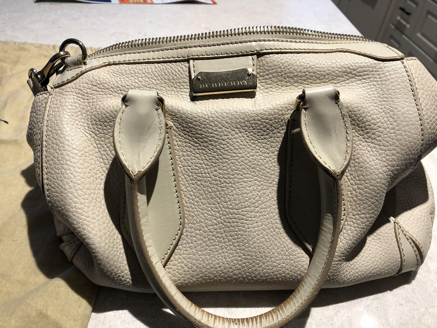fb10db53ccc3 Burberry Leather Bag Care