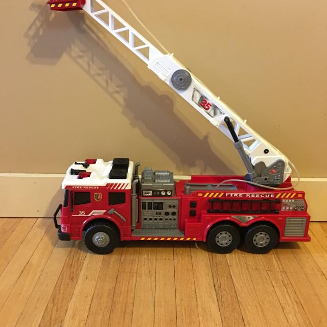 Fire truck with various sounds & lights