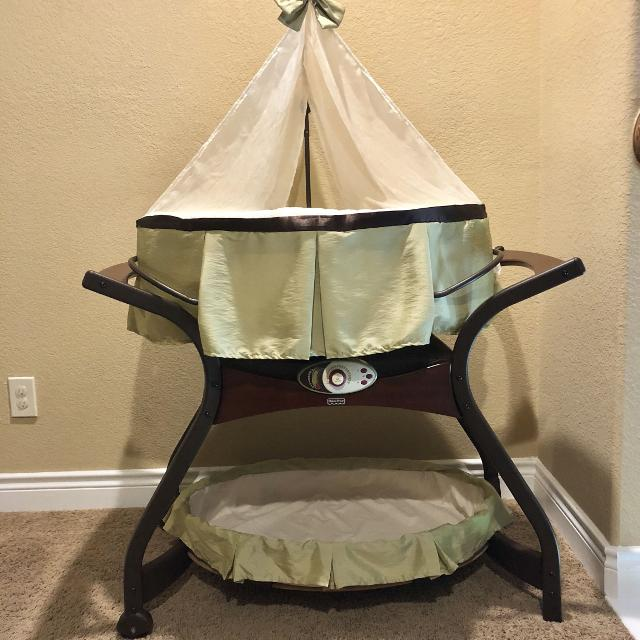 Fisher Price Bassinet