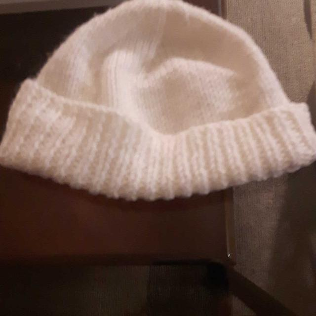 Best Baby White Winter Hat for sale in Vaudreuil 8b2ed4907e7c