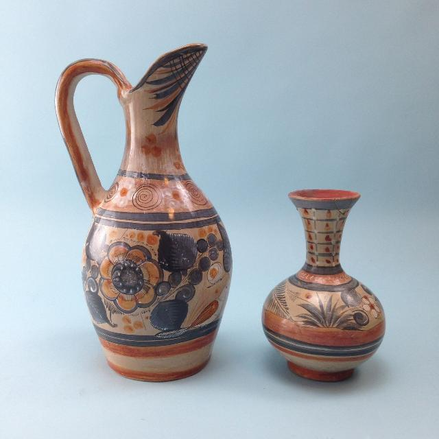 Best 2 Beautiful Vintage Pottery Vases For Sale In Brenham Texas