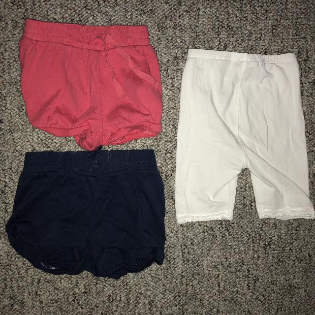 af9f24f83 Find more 12-18 Month Baby Girl Gap Shorts And Mexx Capris for sale ...