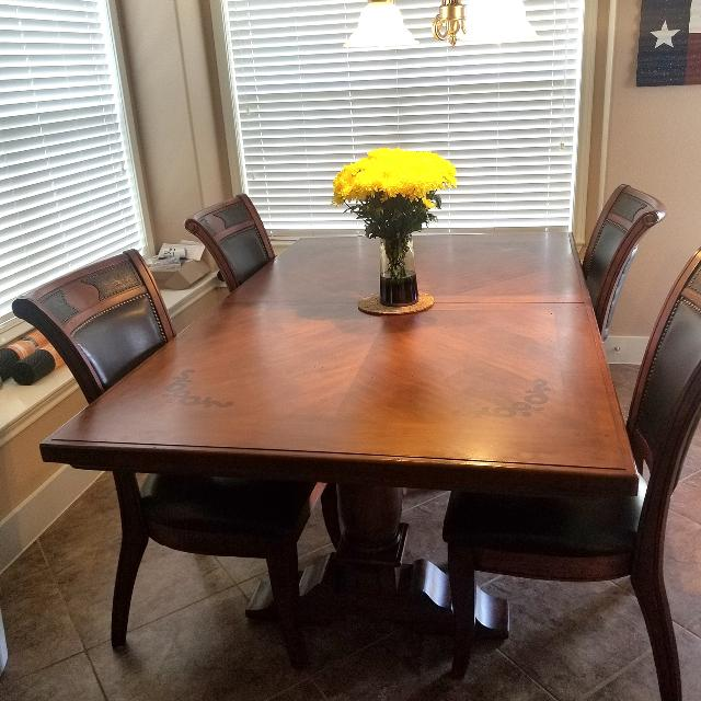 780573beb10 Best Western Dining Room Table (8 Chairs
