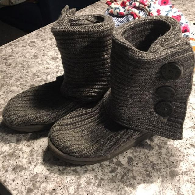 Find More Grey Knit Uggs Size 8 Probably Would Fit A 9 20 For Sale