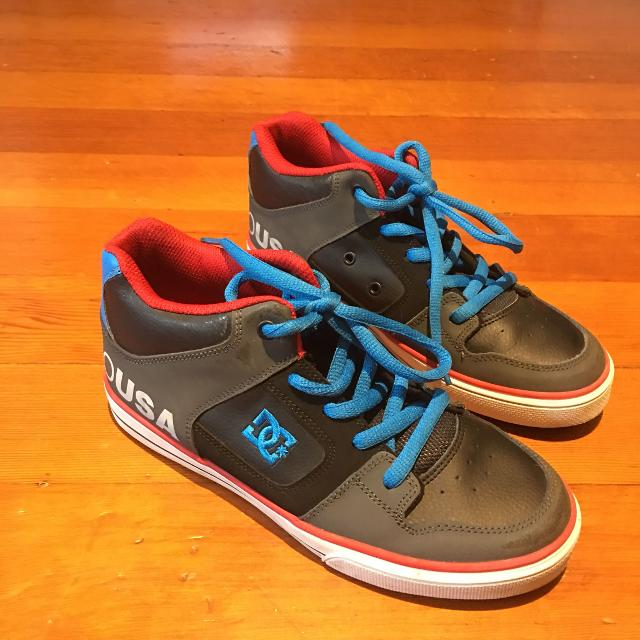 Find More Dc Runners Size 5 Boys Youth For Sale At Up To 90 Off