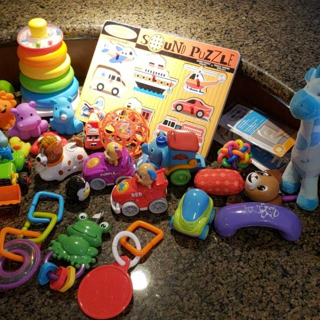 Baby toys/rattles