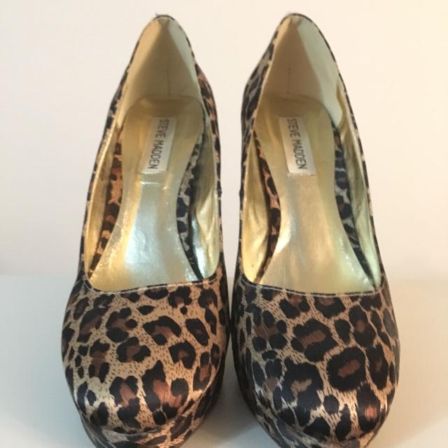66100d61278 Steve Madden leopard print heels size 7