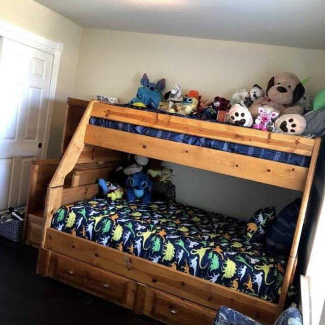 Best Wood Bunk Bed Dresser Nightstand For Sale In Humble Texas For 2021