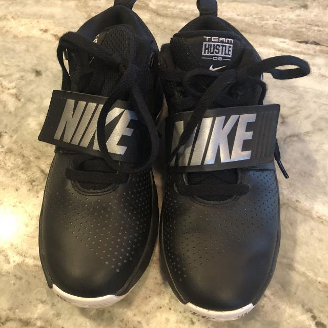 622d161d9d Find more Nike Team Hustle Db Boys Sneakers - Size 5y for sale at up ...