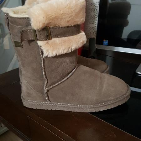 Best New And Used Women S Shoes Near Victoria Bc