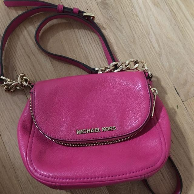 1676d7ba10b3 Find more Authentic Michael Kors Pink Purse(price Drop) for sale at ...