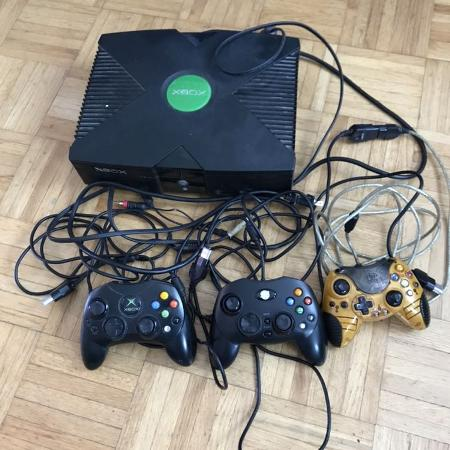 Original Xbox *system and cables only* for sale  Canada