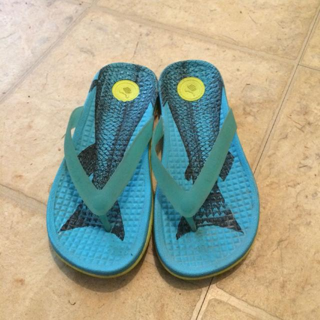 ceed4661503f Find more Native Brand Lululemon Seawheeze Sandals for sale at up to ...