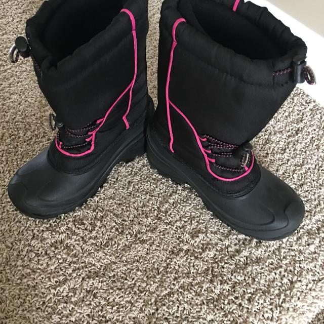 254a575c48859 Find more Girls Winter Boots for sale at up to 90% off - Regina