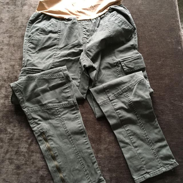 d6d5b908f7916 Best Maternity Cargo Pants for sale in Victoria, British Columbia for 2019
