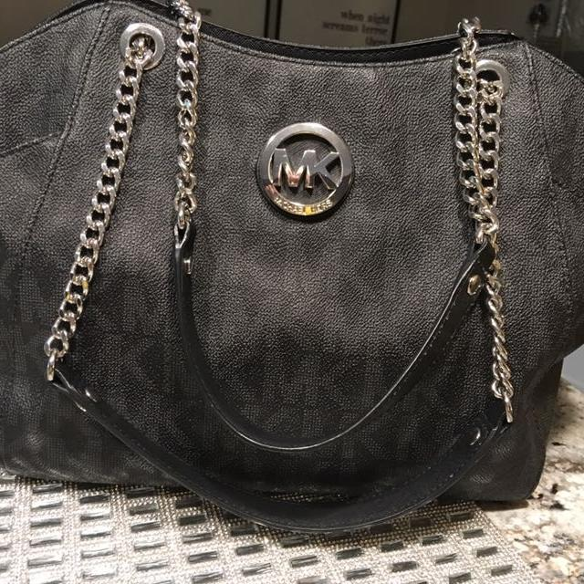 223484aefc46 Find more Michael Kors Purse for sale at up to 90% off - Appleton, WI