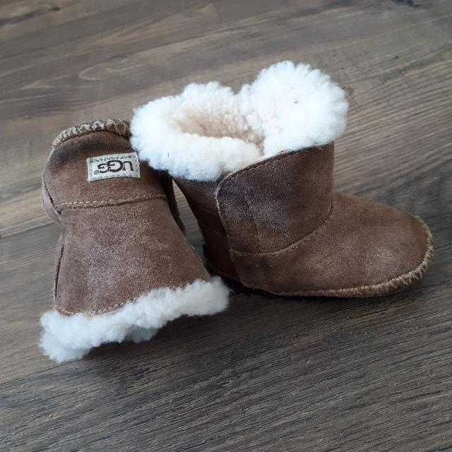 ae4cfa245e0 Baby Ugg boots sheep lined from Nordstrom size 2/3